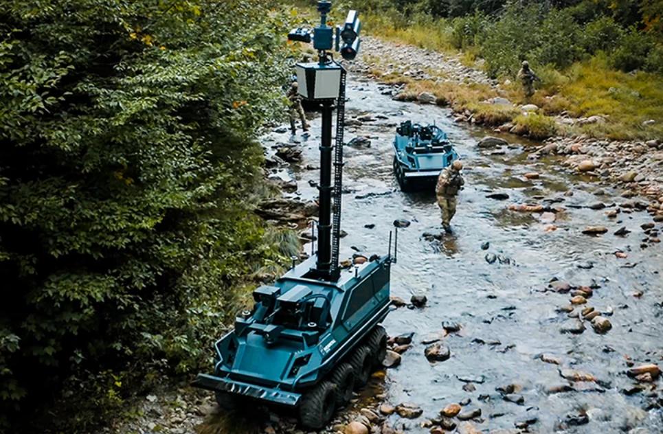 new armed reconnaissance robot